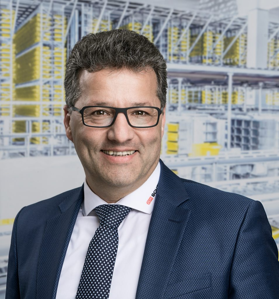 Elie Zita, EVP Customer Services bei SSI Schäfer, ist Experte in allen Dingen, die mit Kundenservice und dessen Potenzial für Nachhaltigkeitsansätze zu tun haben.