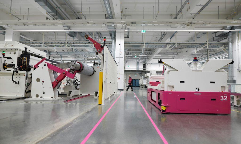 250 Maschinen und Anlagen, 20 fahrerlose Transportsysteme produzieren bis zu 18 Terabyte Daten pro Tag.