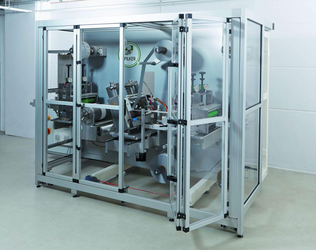 Flächenelemente aus Acrylglas oder Polycarbonat garantieren Sicherheit, Staubschutz und gute Sicht auf die Maschine.
