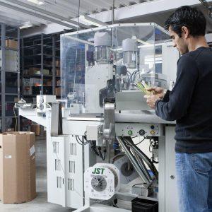 Vollautomat für Litzenproduktion bis zu 100.000 Stück pro Tag (Bild: EVG Martens GmbH & Co. KG)