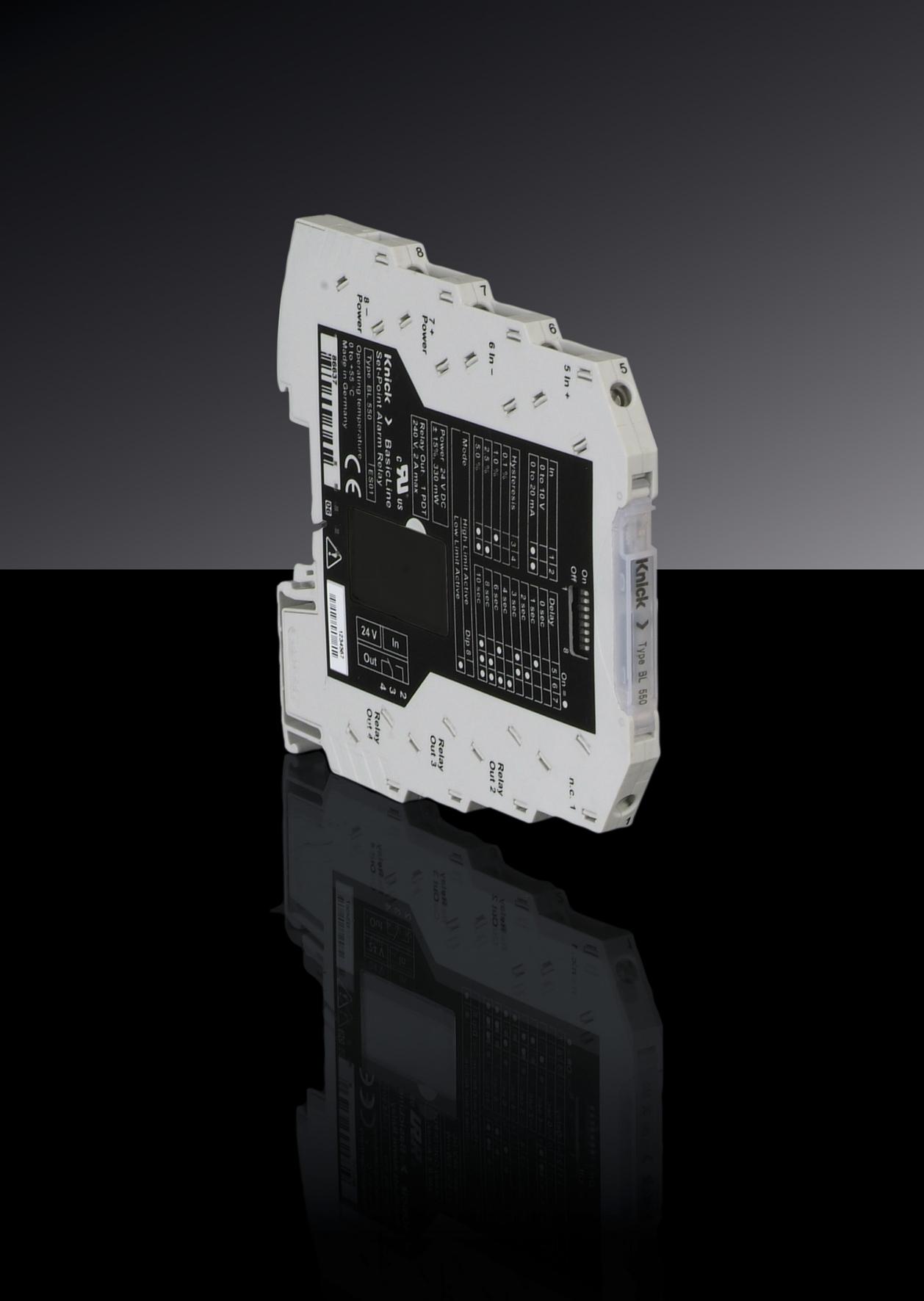 Hochkompakter Grenzwertschalter BL 550 von Knick mit Relais-Wechsler-Ausgang