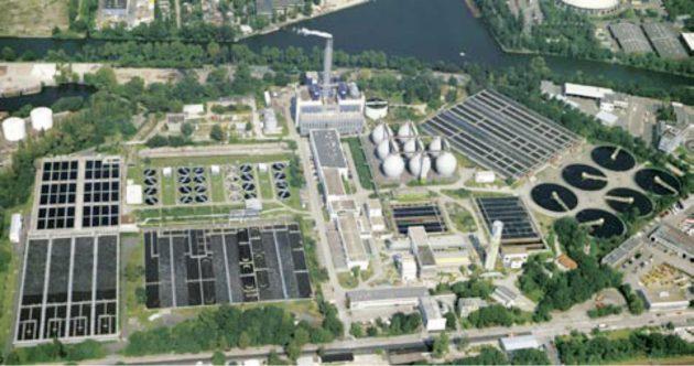 Einige Gebäude der Berliner Wasserbetriebe aus der Luft gesehen. (Bild: BWB- Archiv)