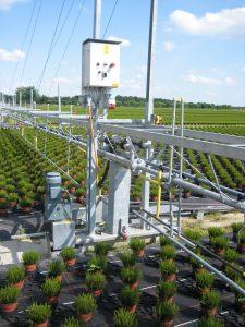 Steuergehäuse aus Polycarbonat schützen die Elektronik in Freiluftanwendungen. (Bild: Rathmakers Gartenbautechnik GmbH)