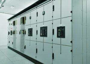 Niederspannungs-Schaltanlagen Enypower sorgen für die Energieverteilung im großen Stil, leistungsstark bis 5.000A Sammelschienen-Nennstrom. (Bild: Gustav Hensel GmbH & Co. KG)