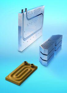 Leistungselektronik effizient kühlen mit Profil- (r.), -Brazed- (u.) und Flüssigkeitskühlkörpern von CTX (Bild: CTX Thermal Solutions GmbH)