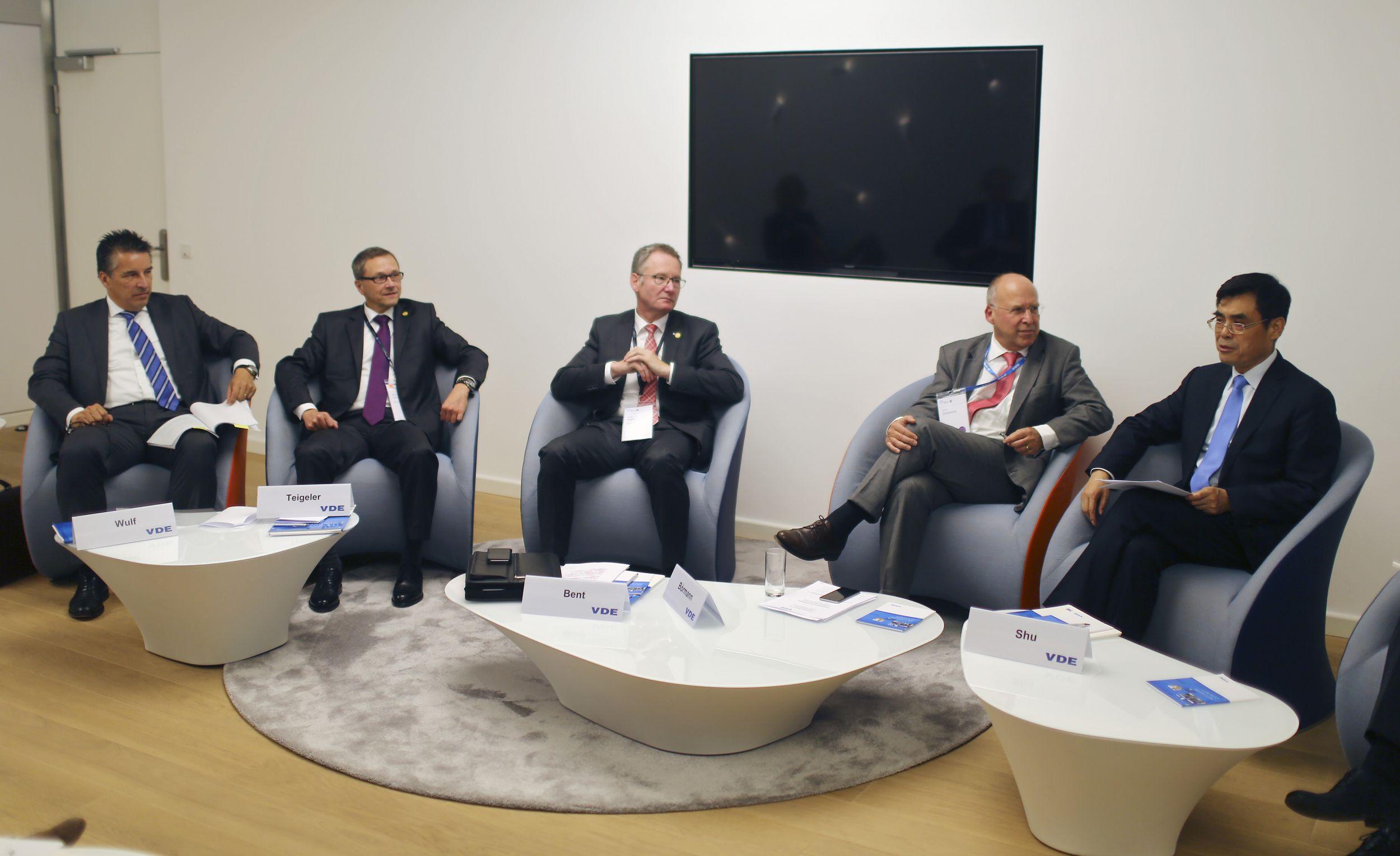 IEC-Weltkongress stellt Weichen für die digitale Transformation