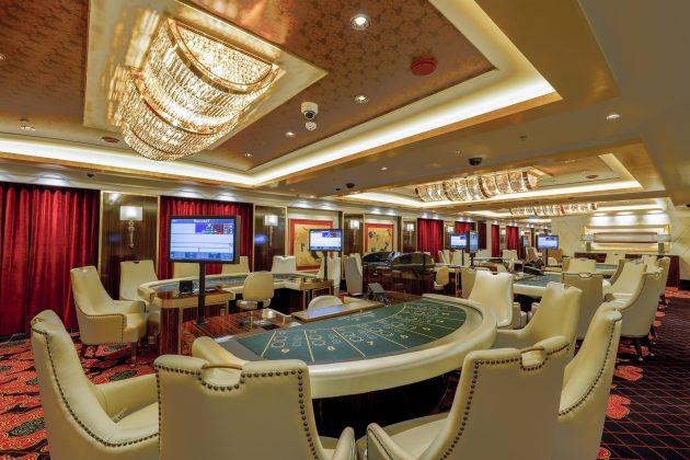 Mit an Bord: Highlights, wie das gro?z?gige Casino (Bild: Meyer Werft GmbH & Co. KG)