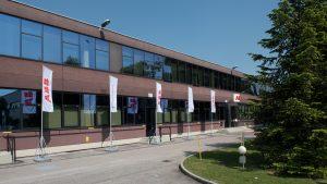 Das ABB-Werk im norditalienischen Dalmine in der N?he von Bergamo beherbergt neben einer Fertigung f?r Mittelspannungs-Schaltanlagen das sogenannte Smart Lab. (Bild: ABB Stotz-Kontakt GmbH)