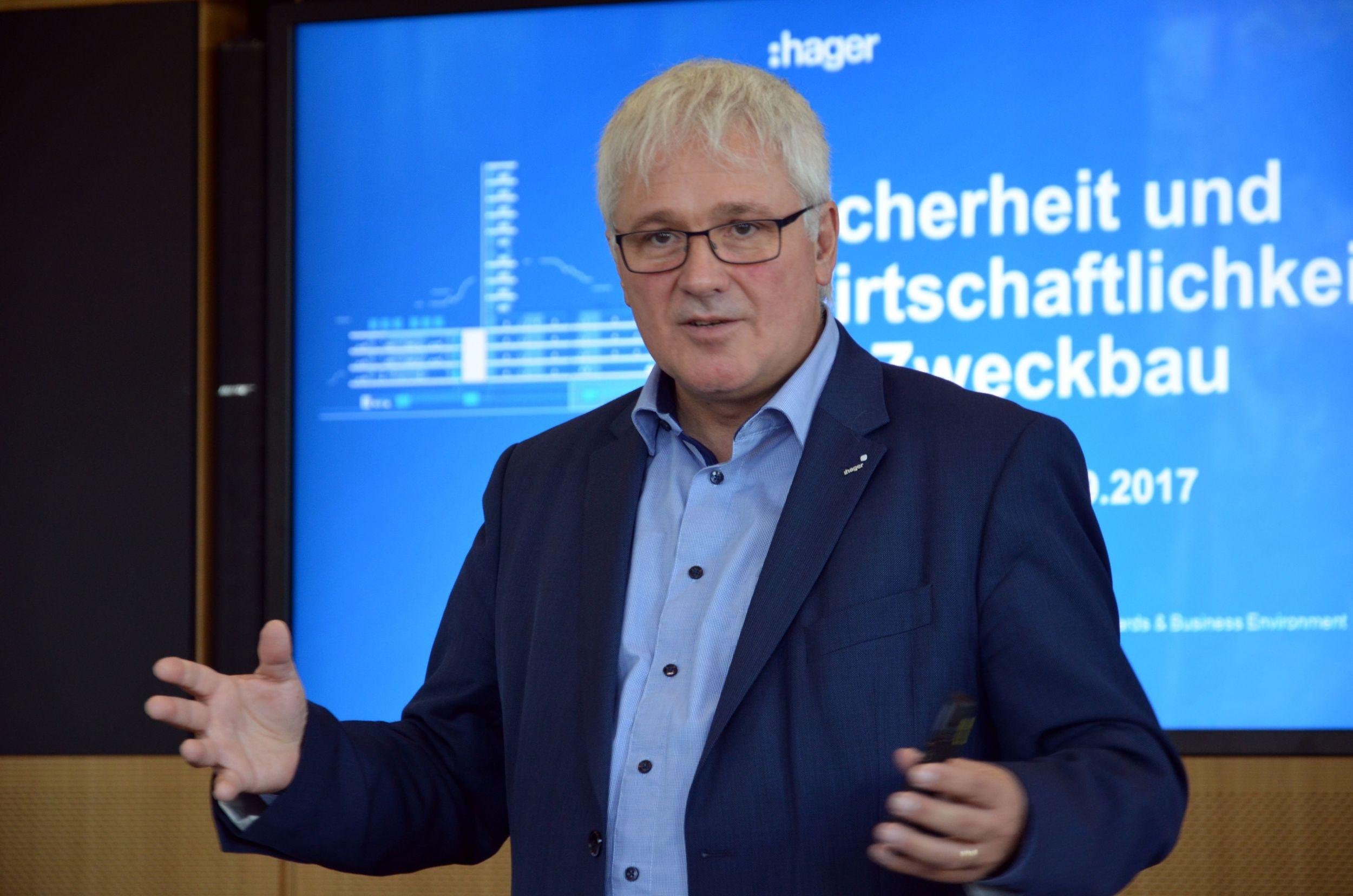 Elektrotechnik und Gebäudeautomation im Hager Forum