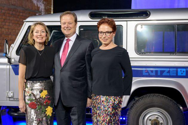 Friedrich Lütze GmbH, 60 Jahre im Familienbesitz: Udo Lütze mit Gattin Susan und Schwester Gitta Lütze (rechts) bei der Jubiläumsveranstaltung am 26. Januar 2018 (Bild: Friedrich Lütze GmbH)