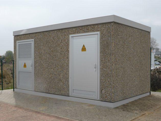 Für die Versorgungssicherheit des Gewerbegebietes Malchow haben die Stadtwerke Malchow ein neues Schalthaus errichten lassen. In die Betonstation der Firma Scheidt wurde eine Mittelspannungsschaltanlage von Ormazabal eingesetzt. (Bild: Ormazabal GmbH)