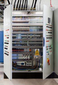 Der Anwendungsstandard UL 508A ist für alle Schaltschrankbauer maßgeblich, die ihre Anlagen nach Nordamerika exportieren. (Bild: UL International Germany GmbH)