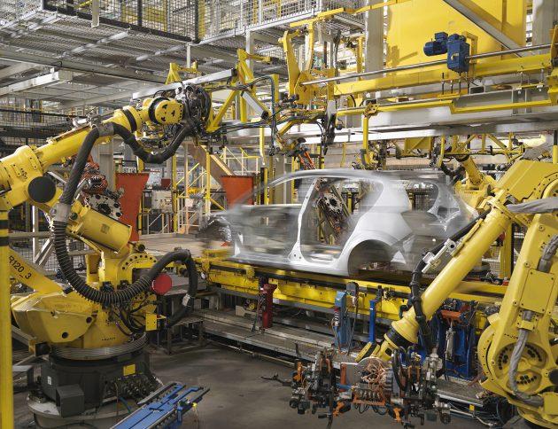 Maschinen sind vor ihrer Inbetriebnahme und durch Wiederholungsprüfungen regelmäßig auf ihre elektrische Sicherheit zu prüfen. (Bild: ©Monty Rakusen/Fotolia.com)
