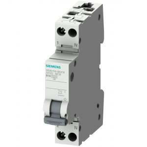Siemens präsentiert auf der Light+Building 2018 den weltweit ersten Brandschutzschalter (AFDD) mit integriertem Leitungsschutz in einer Teilungseinheit (TE). Siemens presents at Light+Building 2018 the world's first arc fault detection device (AFDD) with (Bild: Siemens AG)