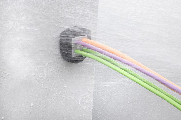Die KVT-ER h?lt starkem Wasserdruck stand (Bild: Icotek GmbH)