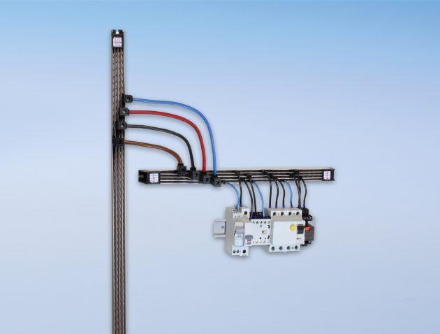 Die BusSpeed-Steuerspannungs-Stromschienen von FTG fungieren als bedarfsgerechte Lösung im Schaltschrankbau bis zu 1,855m Höhe. (Bild: FTG Friedrich Göhringer Elektrotechnik GmbH)