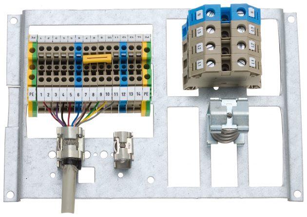 Wenige, flexibel kombinierbare Komponenten gestatten die Konfiguration passender Schirmanschluss-Lösungen für unterschiedliche Anforderungen und Kabeldurchmesser. (Bild: Conta-Clip Verbindungstechnik GmbH)