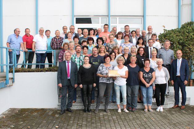 Die motivierten ETI-Mitarbeiter am Standort Hildburghausen sind ein wichtiger Garant für den Unternehmenserfolg. (Bild: ETI DE GmbH)