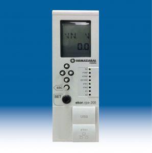 Ekor.rpa-100 (oben) von Ormazabal ist eine multifunktionale Schutz-, Mess- und Steuereinheit. Das weiterentwickelte Schutzrelais Ekor.rpa-200 wird zusätzlich über erweiterte Funktionen wie einen gerichteten Leistungsschutz, einen SynchroCheck und eine Frequenzüberwachung verfügen. (Bild: Ormazabal GmbH)