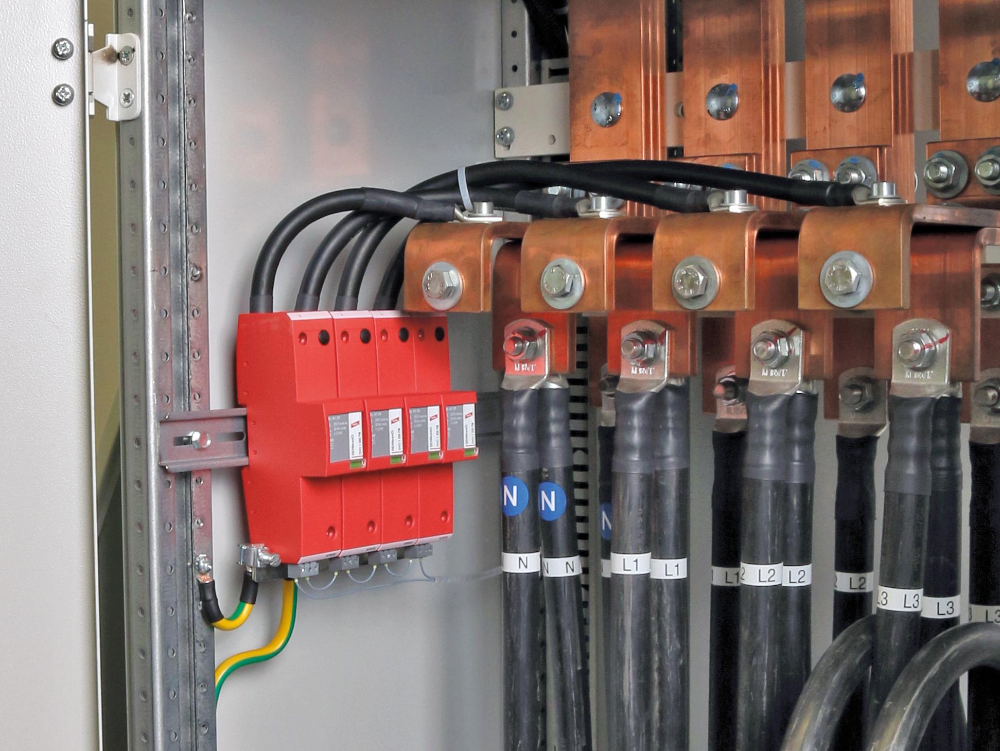 Blitz-und Überspannungsschutz für Niederspannungs-Schaltgerätekombinationen (Bild: Dehn + Söhne GmbH + Co. KG)