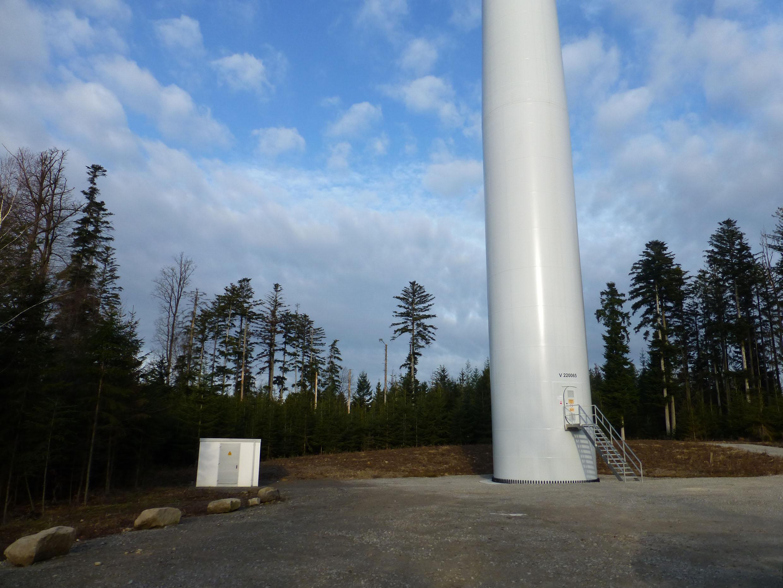 Für die Umsetzung des Windparks Rote Steige haben die Stadtwerke Schwäbisch Hall erneut mit Ormazabal zusammengearbeitet. Der Krefelder Experte für Energieverteilung lieferte die Übergabestation als Komplettpaket und übernahm auch die Projektkoordination.(Bild: Ormazabal GmbH)