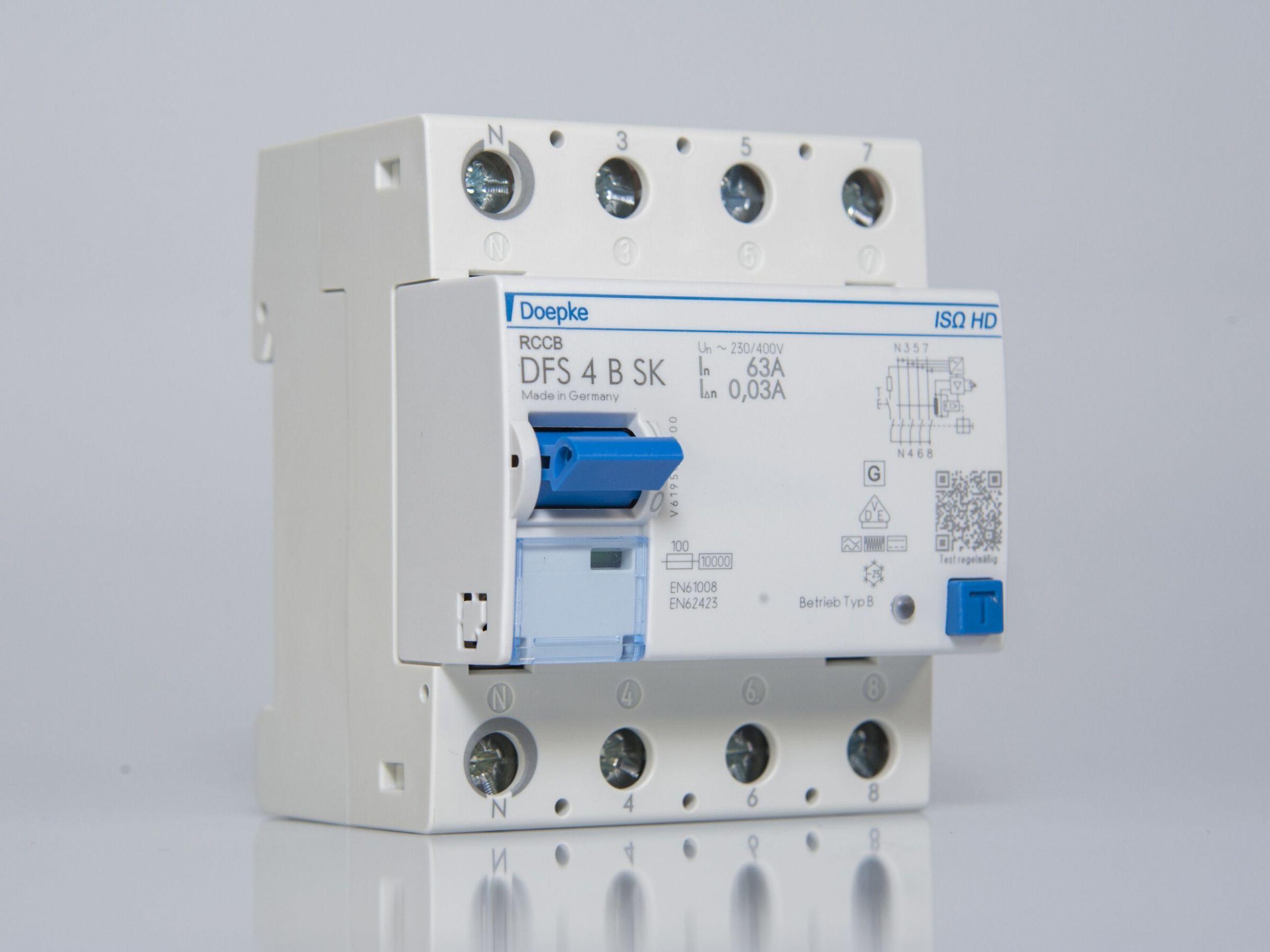 Mit der Ausführung IS HD gibt es jetzt allstromsensitive Fehlerstrom-Schutzschalter, die Isolationsprüfungen ohne vorheriges Abklemmen möglich machen. (Bild: Doepke Schaltgeräte GmbH)