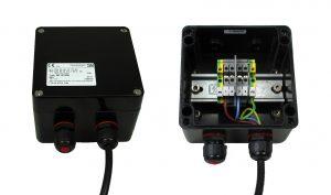 Die eigensicheren Ex e-Polyester-Gehäuse von Rose werden als Anschlusskästen für den Netzanschluss der Heizlösungen eingesetzt. (Bild: Winkler AG)