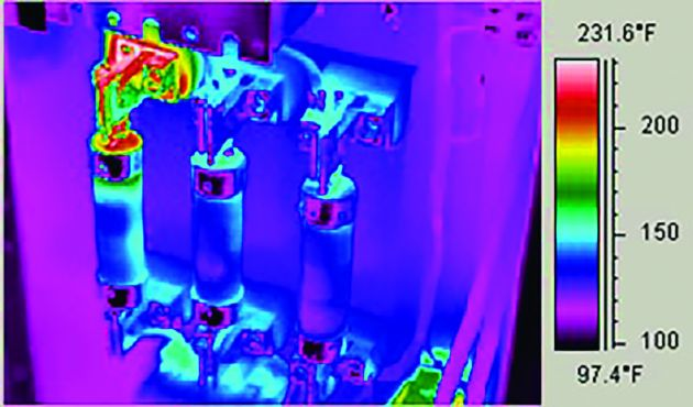 Wärmebildtechnik kann präzise Temperaturmesswerte von einem elektrischen Schaltschrank aus sicherer Entfernung liefern.