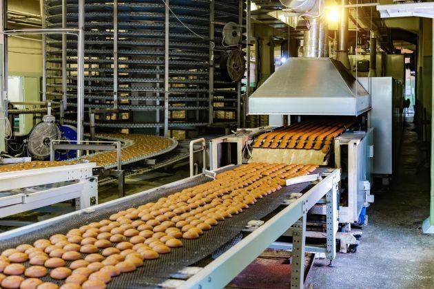 Bild 1 | Stehen Förderbänder in einer Großbäckerei still, können vier Stunden Produktionsausfall zwischen 40.000 bis 60.000 Euro Verlust bedeuten.