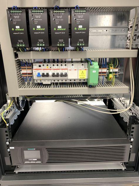 Bild 2 | Die Integration der Stromversorgung  inklusive USV gehört zum Standard.