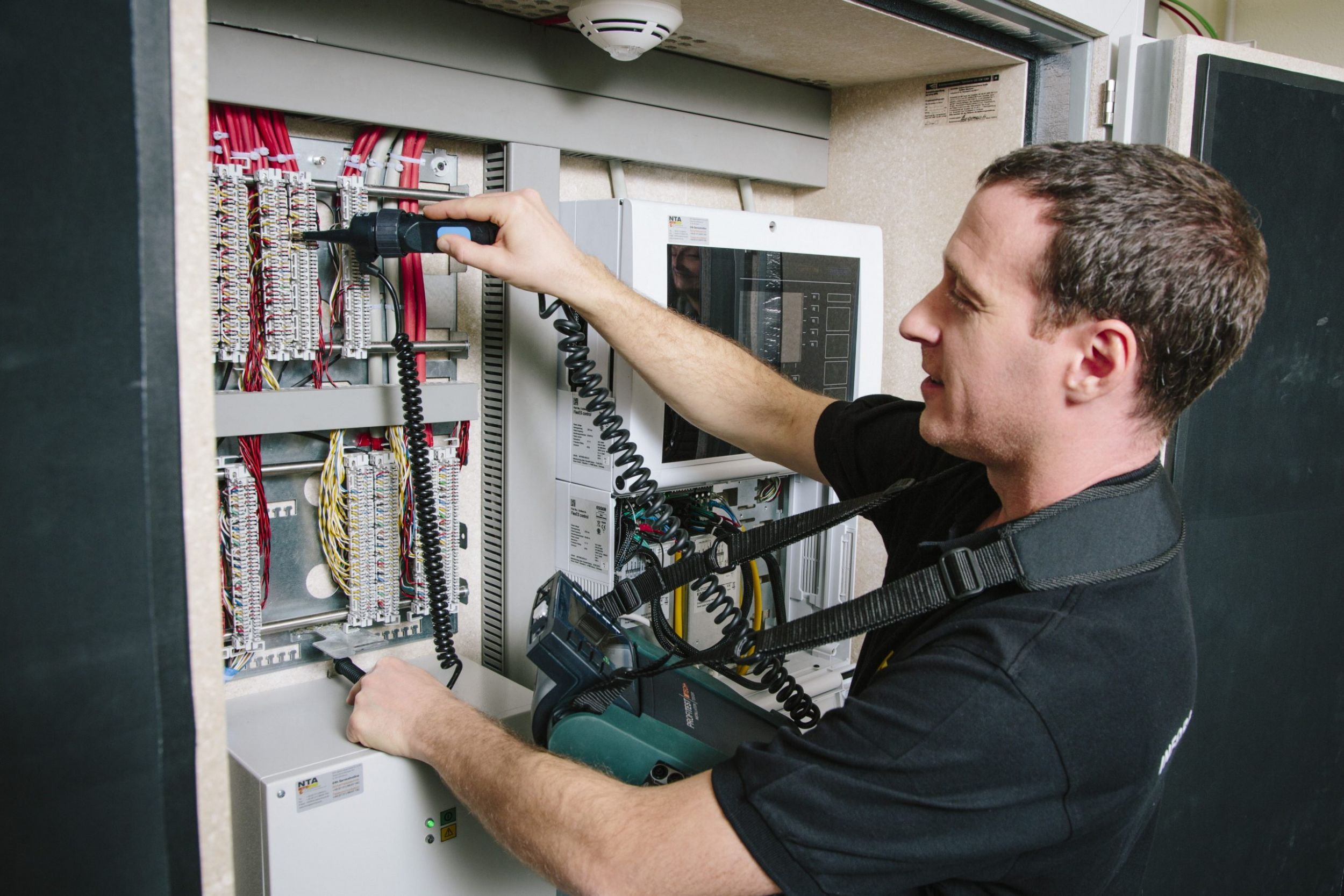 Lieferengpässe und Preissteigerungen bedrohen Elektrohandwerk