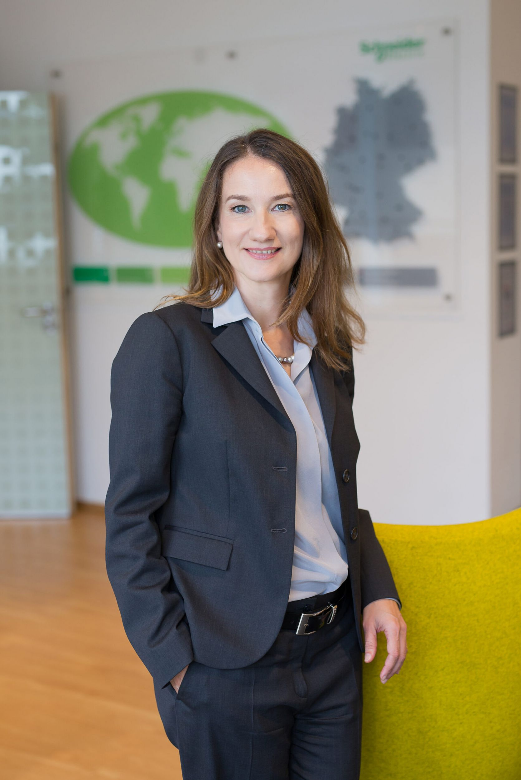 Schneider Electric: Barbara Frei ist Executive Vice President Industrial Automation
