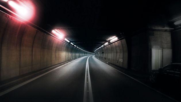 Bild 1 I Im Normalbetrieb durchfahren jährlich circa 6,5 Millionen Fahrzeuge den Gotthard-Straßentunnel, davon eine Million Lkw. Seit der Eröffnung 1980 (2,8 Millionen Fahrzeuge) hat sich der Verkehr somit fast verdreifacht.