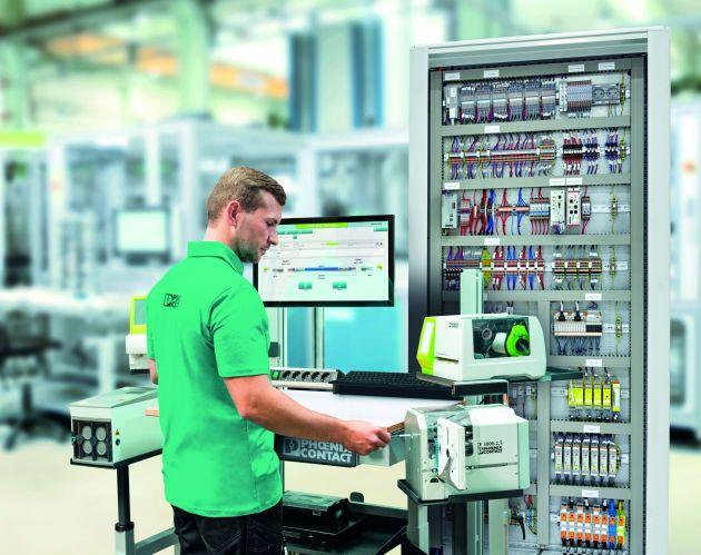 Bild 1   Der Prozess der Leitervorbereitung lässt sich durch die digitale Bereitstellung von Daten aus dem Engineering effizient und fehlerfrei gestalten.