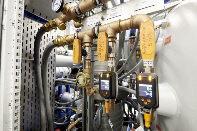 Bild 4 | Die komplette Verrohrung des Kühlwassers kann im VX25 verbaut werden.