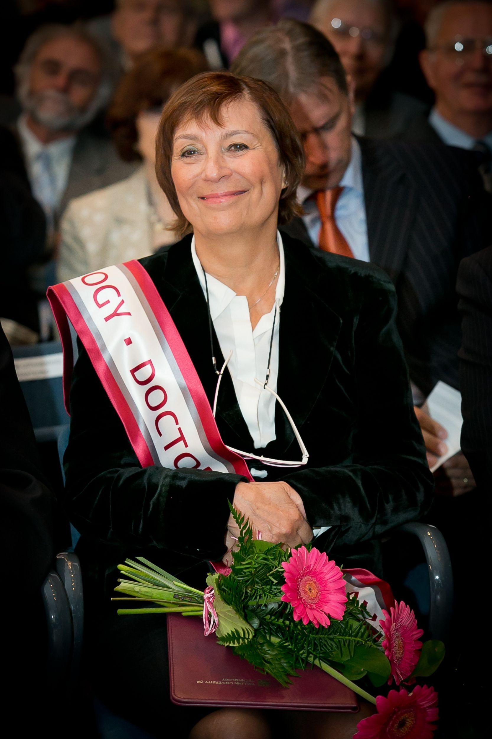 Universität Tallinn verleiht Dr. Marta Rencz von Mentor Graphics Ehrendoktorwürde