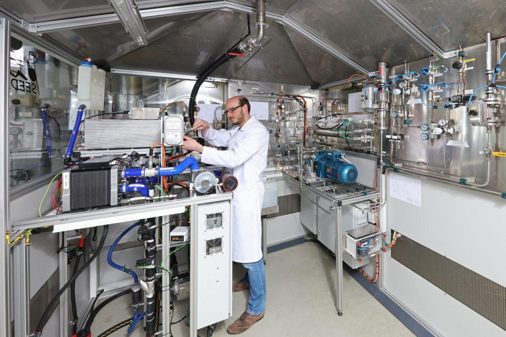 Fraunhofer IISB: Strom aus Abgasen der Halbleiterindustrie