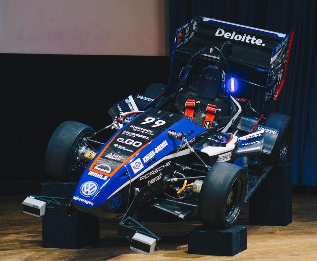 Eace07.d ist der Driverless-Rennwagen des Teams Ecurie Aix der RWTH Aachen in der Saison 2018/19 der Formula Student. Sein Elektrogetriebe mit 1300Nm erlaubt es, in 2,5s von 0 auf 100km/h zu beschleunigen. (Bild: Team Ecurie Aix der RWTH Aachen)