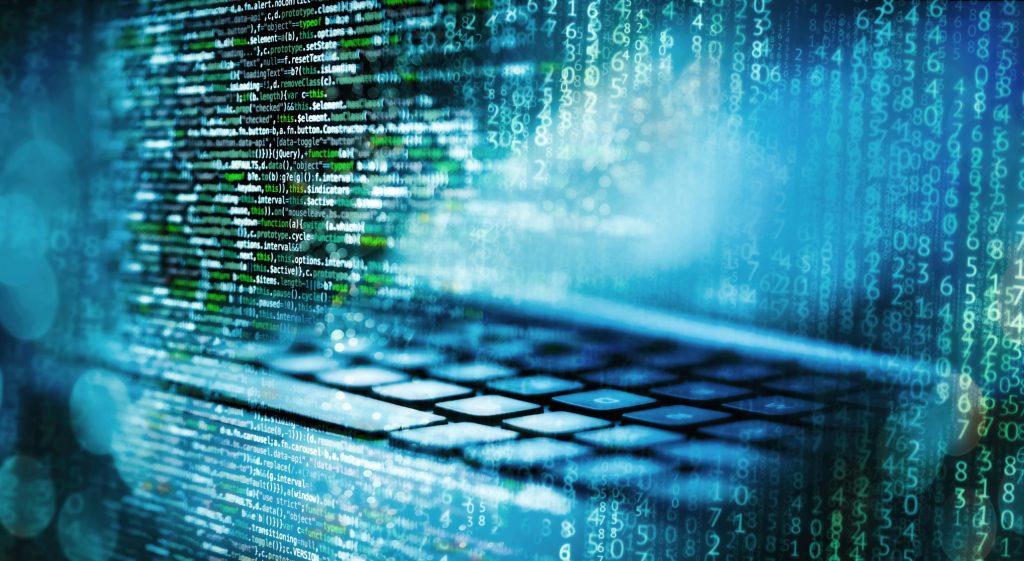 Programmiercode mit Matrix, Computer und abstraktem technischen Hintergrund in blau (Bild: Perforce Software UK Ltd.)