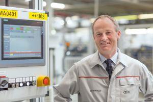 Dr. Michael Niemeyer, Leiter Fertigungsplanung Automatisierung bei Audi, erachtet eine durchgängige Steuerungs- und Antriebstechnikplattform als Schlüssel zur Effizienzsteigerung. (Bilder: Siemens AG)
