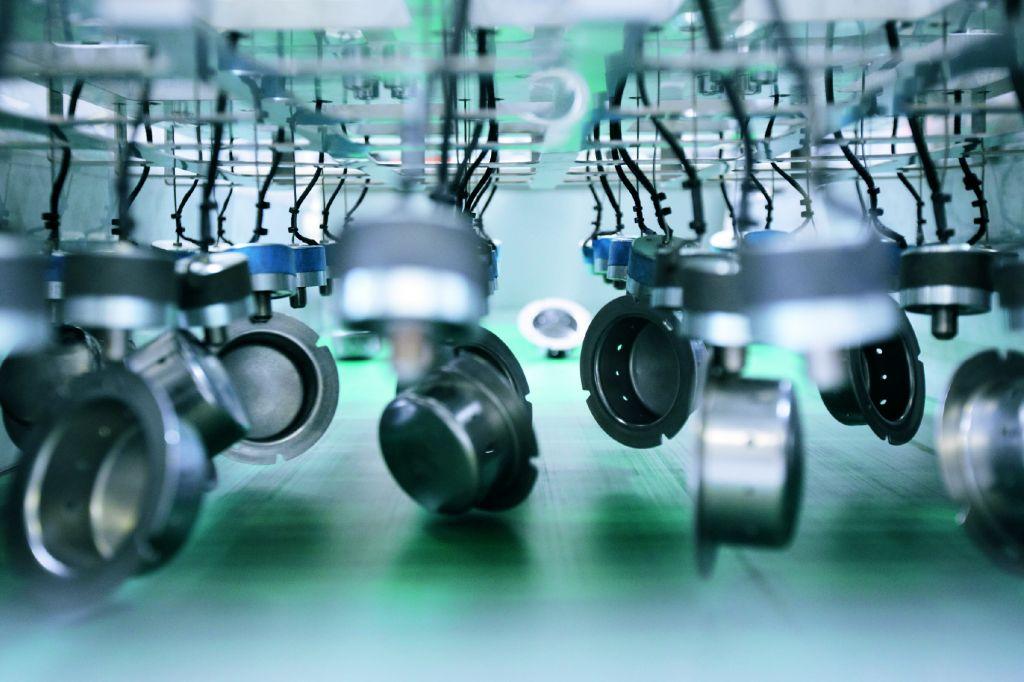 Als sicherheitskritische Verbindungsbauteile m?ssen Diffusoren sowohl schnell und effizient als auch besonders zuverl?ssig gepr?ft werden. (Bild: Beckhoff Automation GmbH & Co. KGBild: Beckhoff Automation GmbH & Co. KG)