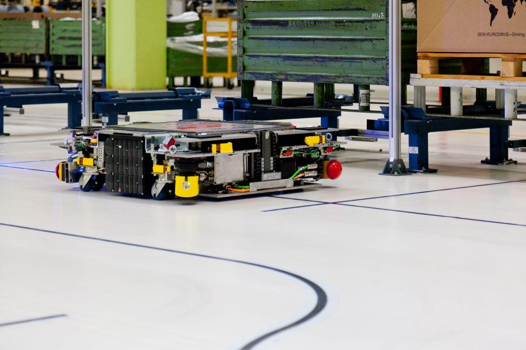 Am eigenen Standort in Graben-Neudorf setzt SEW-Eurodrive eigenentwickelte L?sungen unter realen Produktionsbedingungen ein. (Bild: SEW-Eurodrive GmbH & Co KG)
