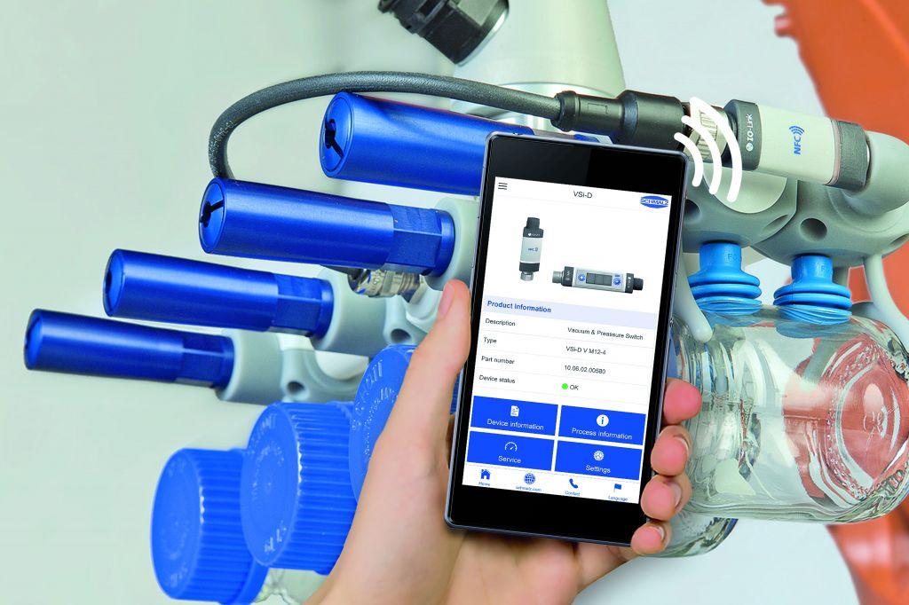 ?ber die Service-App lassen sich Smart Field Devices schnell und einfach via Mobilger?t parametrieren. (Bild: J. Schmalz GmbH)