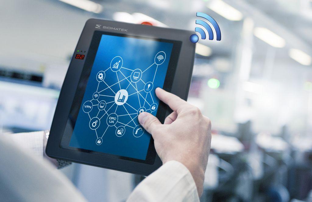 Das wireless Multitouch-Panel HGW 1033 mit integrierten Safety-Funktionen verspricht neue Freiheit beim Bedienen. (Bild: Sigmatek GmbH & Co KG)