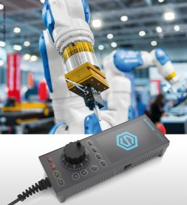 Robot arm in a factory working for the humans (Bild: Bopla Gehäuse Systeme GmbH)