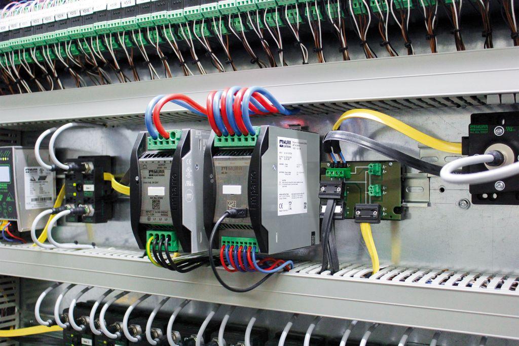 Das USV-Modul Emparro Accucontrol schaltet bei einem Netzausfall unterbrechungsfrei auf Batteriebetrieb um und vermeidet Maschinenstillstände. (Bild: Murrelektronik GmbH)