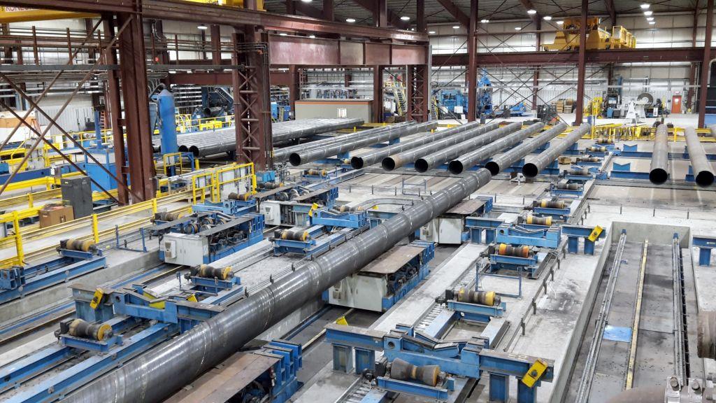Bis zu 50 Bediener-Terminals geben einen Überblick des Produktionsprozesses (3 und 4) und der einzelnen Arbeitsstationen (5). (Bild: Schuler AG)
