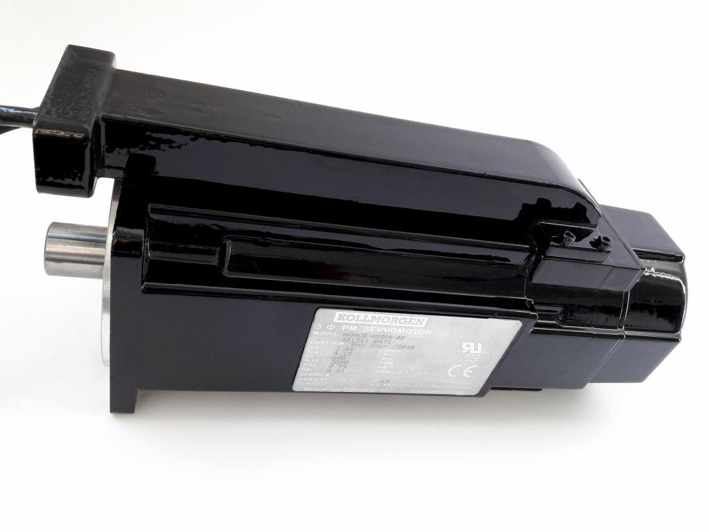 Die AKM-Servomotoren kommen bei Index mit gelasertem Typenschild und einem besonderen Kabelkanal zum Einsatz. (Bild: Kollmorgen Europe GmbH)