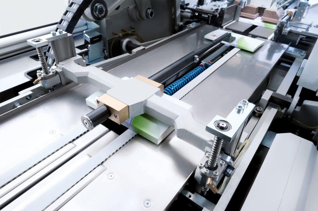 Durch maschinelles Lernen und Anomalieerkennung kann Kolbus Maschinenausfälle und Ausschuss verringern. (Bild: Kolbus)