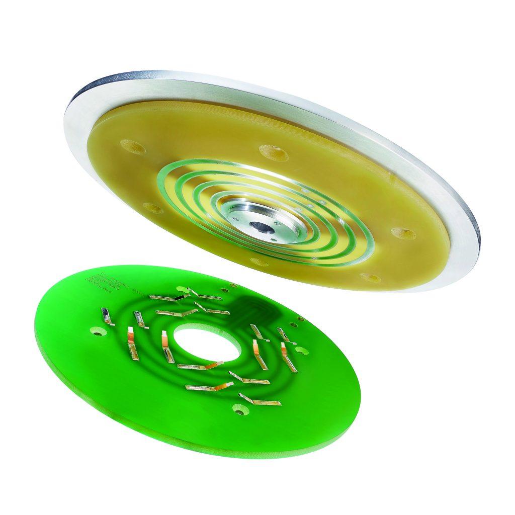Tellerschleifringe ermöglichen eine zuverlässige Übertragung von Last und Signalen in einer kompakten  Bauform von 10 bis 15mm.